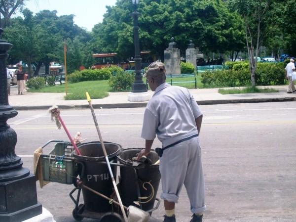 Por una ciudad limpia  Foto: CubaxDentro