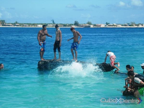 Verano Azul en la Villa Azul de Cuba. Playa La Boca en Puerto Padre, Las Tunas