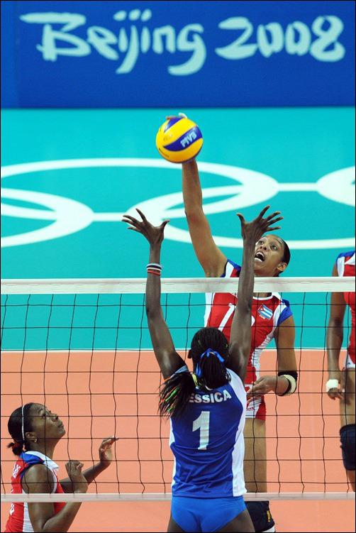 Zoila Barros ataca