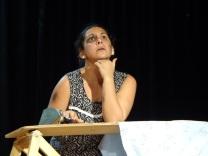 Joyce en el papel de María en la Obra Divinamente así.