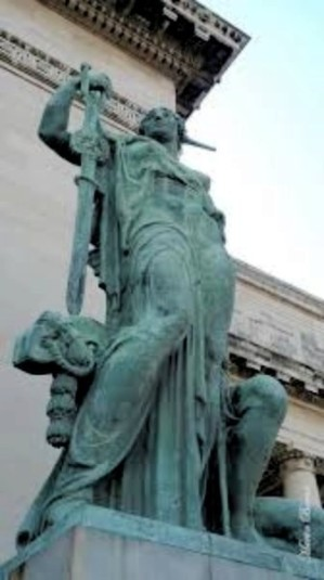 Estatua La Virtud