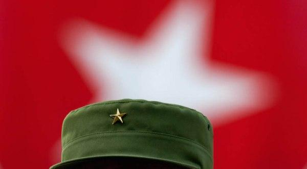 Fidel-en-acto-cdr-foto-roberto-chile-4
