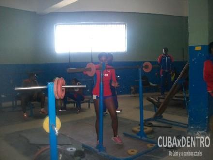 Las alumnas de Alexander Navas en el gimnasio del Estadio Panamericano