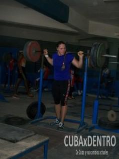 Natalia Ducó, balista chilena que entrena junto a la cubana Dulce Margarita García