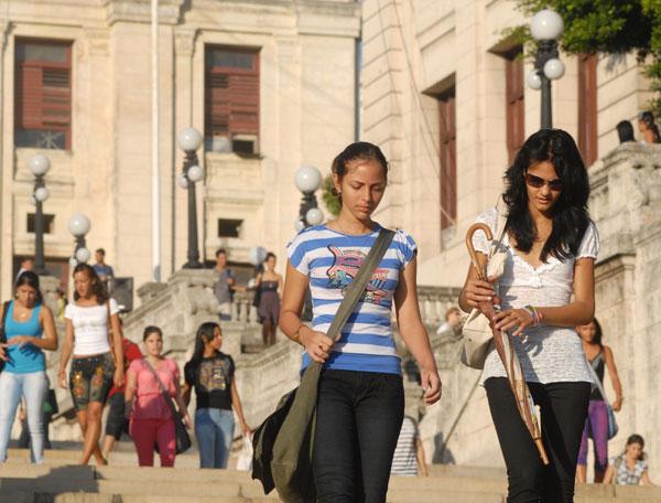 jóvenes cubanos_cubaxdentro.wordpress.com