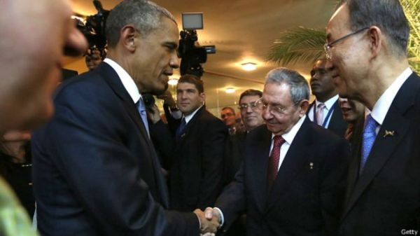 150411025634_sp_obama_castro_shaking_hands_624x351_getty