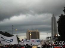 La amenaza de lluvia, que luego se hizo realidad, no paró al pueblo trabajador.