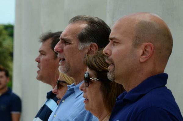 Los 5 en la UCI. Foto cortesía de Bill Hackwell.
