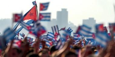 https://cubaxdentro.files.wordpress.com/2015/06/cuba-banderas-soberania-685x342.jpg?w=380&h=190