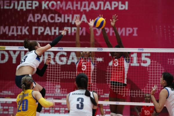 Cuba vs. Kazajstán. Grand Prix de Voleibol 2015. Foto: FIVB
