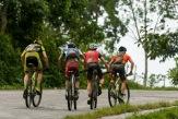 Grupo de cuatro ciclistas escapados ruedan la tercera etapa Soroa-Viñales (119 km) durante la Titán Tropic Cuba de ciclismo de montaña el martes 8 de diciembre de 2015. FOTO de Calixto N. Llanes (CUBA)