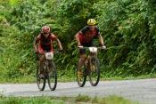 Ciclistas José Luis Carrasco (35) y Ibon Zugasti (2) recorren tercera etapa Soroa-Viñales (119 km) durante la Titán Tropic Cuba de ciclismo de montaña el martes 8 de diciembre de 2015. FOTO de Calixto N. Llanes (CUBA)