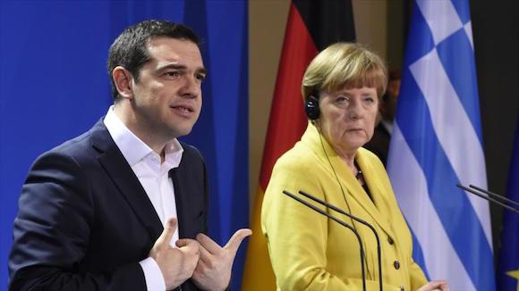 La-canciller-alemana-Angela-Merkel-y-el-primer-ministro-griego-Alexis-Tsipras-han-acordado-que-el-país-heleno-presente-el-martes-una-propuesta-sobre-un-plan-de-ayuda-financiera