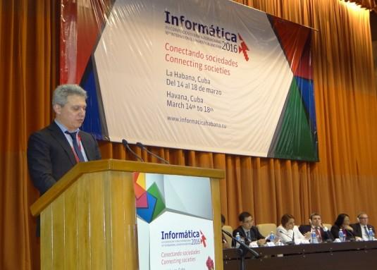 El ministro de Comunicaciones de la República Cuba, Maimir Mesa Ramos, dejó oficialmente inaugurada la Convención y Feria Informática 2016. Foto:Alberto Medina y Roberto Carlos Villamar