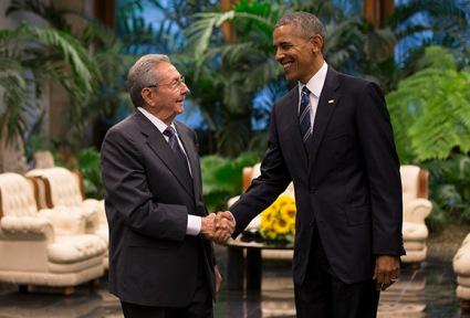 Encuentro entre el presidente cubano Raúl Casto y Barack Obama en el Palacio de la Revolución