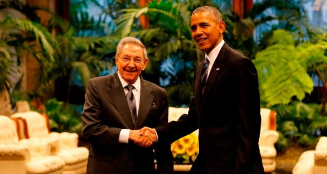 Raúl-y-Obama-940x520