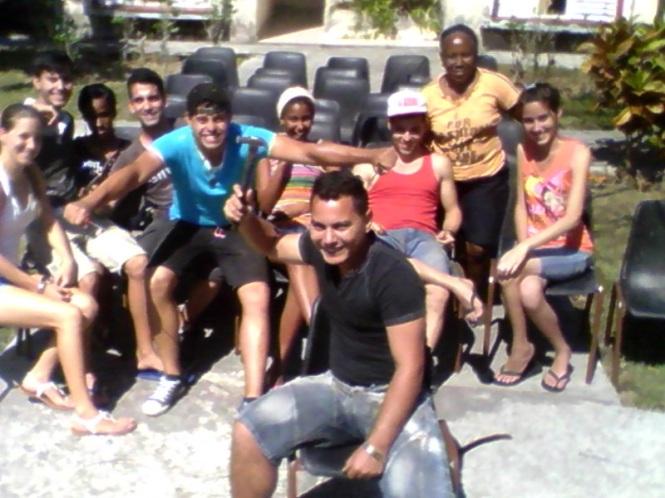 jóvenes universitarios_CubaxDentro