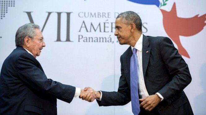 Barack y Raúl_CubaxDentro
