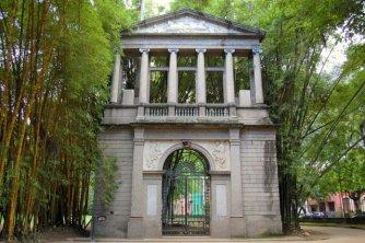 Antigua fachada de la Academia de Bellas Artes