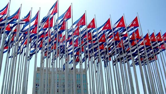 kaloian-cincuenta-veces-cuba-05-bandera