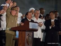 La Plaza por última vez/ Raúl saluda a todo el pueblo de Cuba