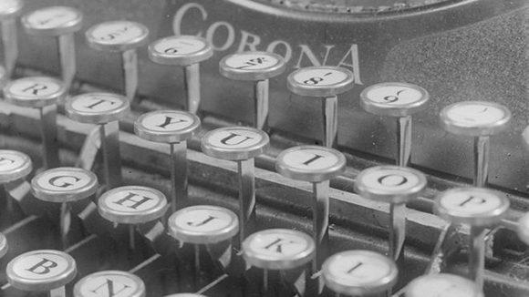 mucho-ha-cambiado-en-los-aparatos-con-que-dejamos-registro-de-la-palabra-escrita-pero-qwerty-aparentemente-tan-contrario-al-sentido-comun-permanece-inmutable-580x326