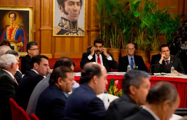 diálogos de paz entre el gobierno bolivariano y la oposición venezolana